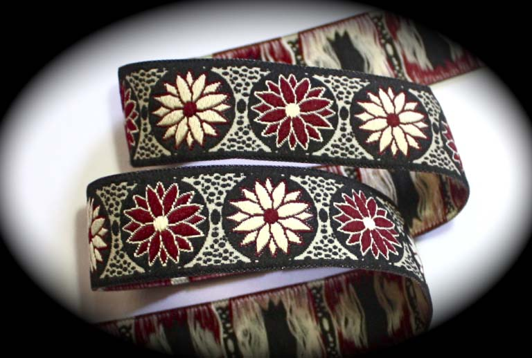 "DAISY DOT FLOWER7 1"" BURGANDY/NATURALBLACK (3 YDS)"